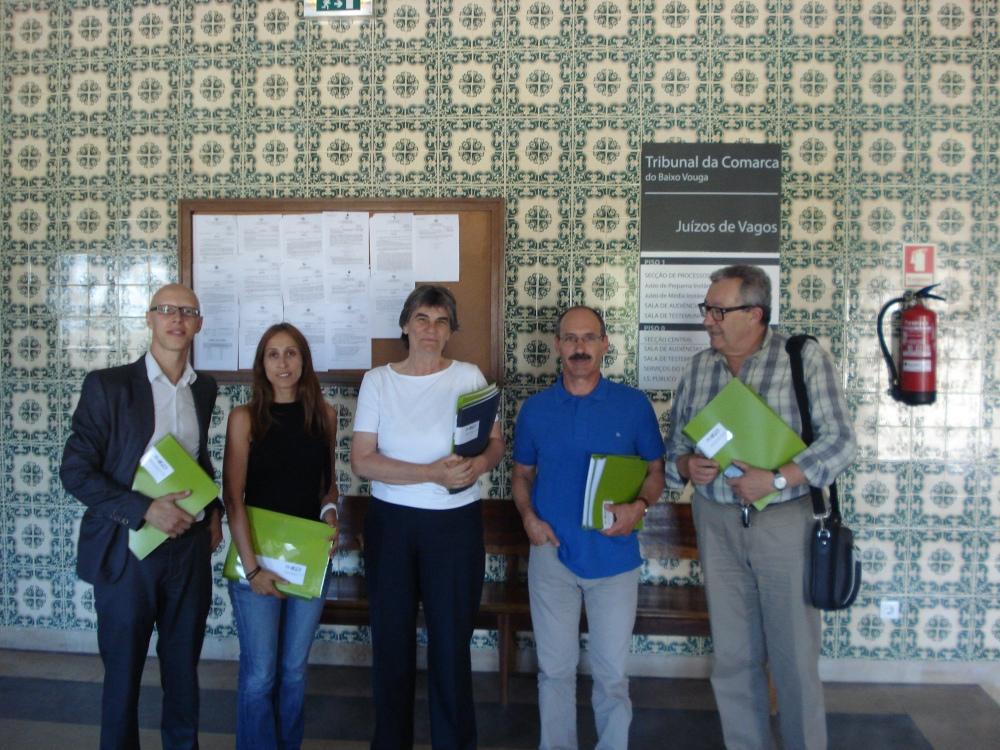 Comitiva entrega listas do PS aos órgãos autárquicos